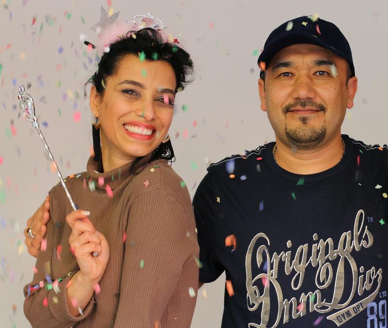 Frau und Mann posieren beim Faschingsfest
