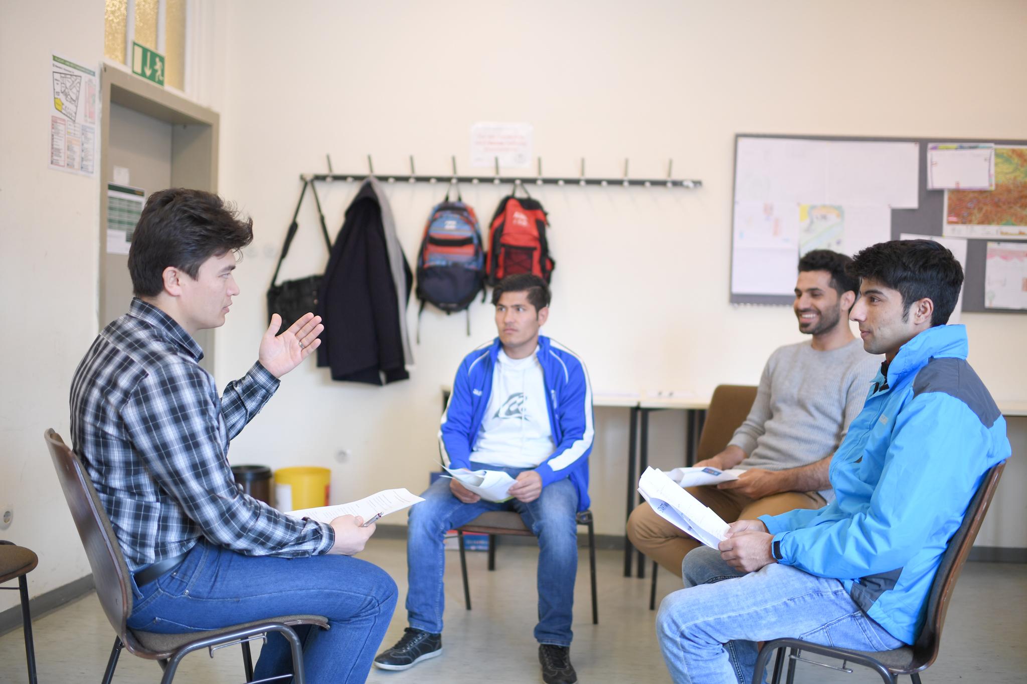 Die Wiener Charta-Gesprächsrunde (in Arabisch)